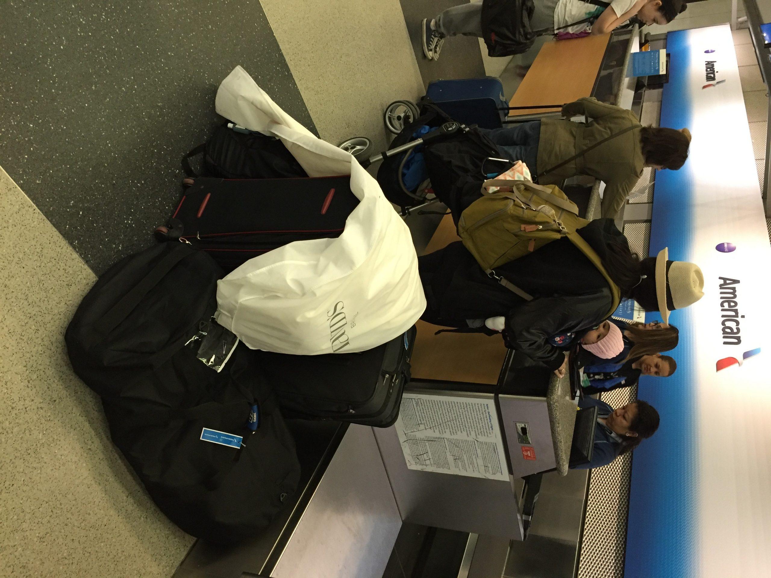 Laura al aeropuerto