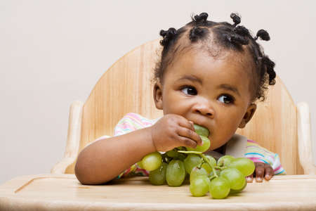 baby-eating-healthy