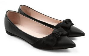 black-repetto-ballerina-flats-with-a-bow