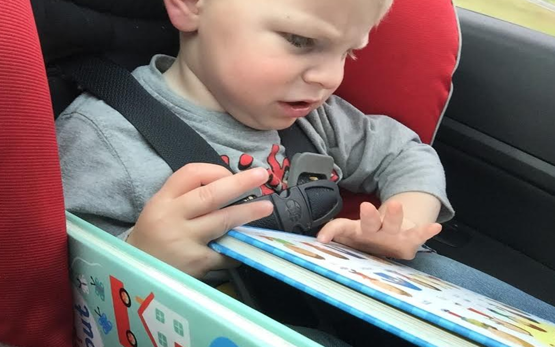how to entertain kids on the go