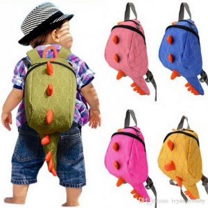 backpack with attached leash, great option for toddlers who like to run!