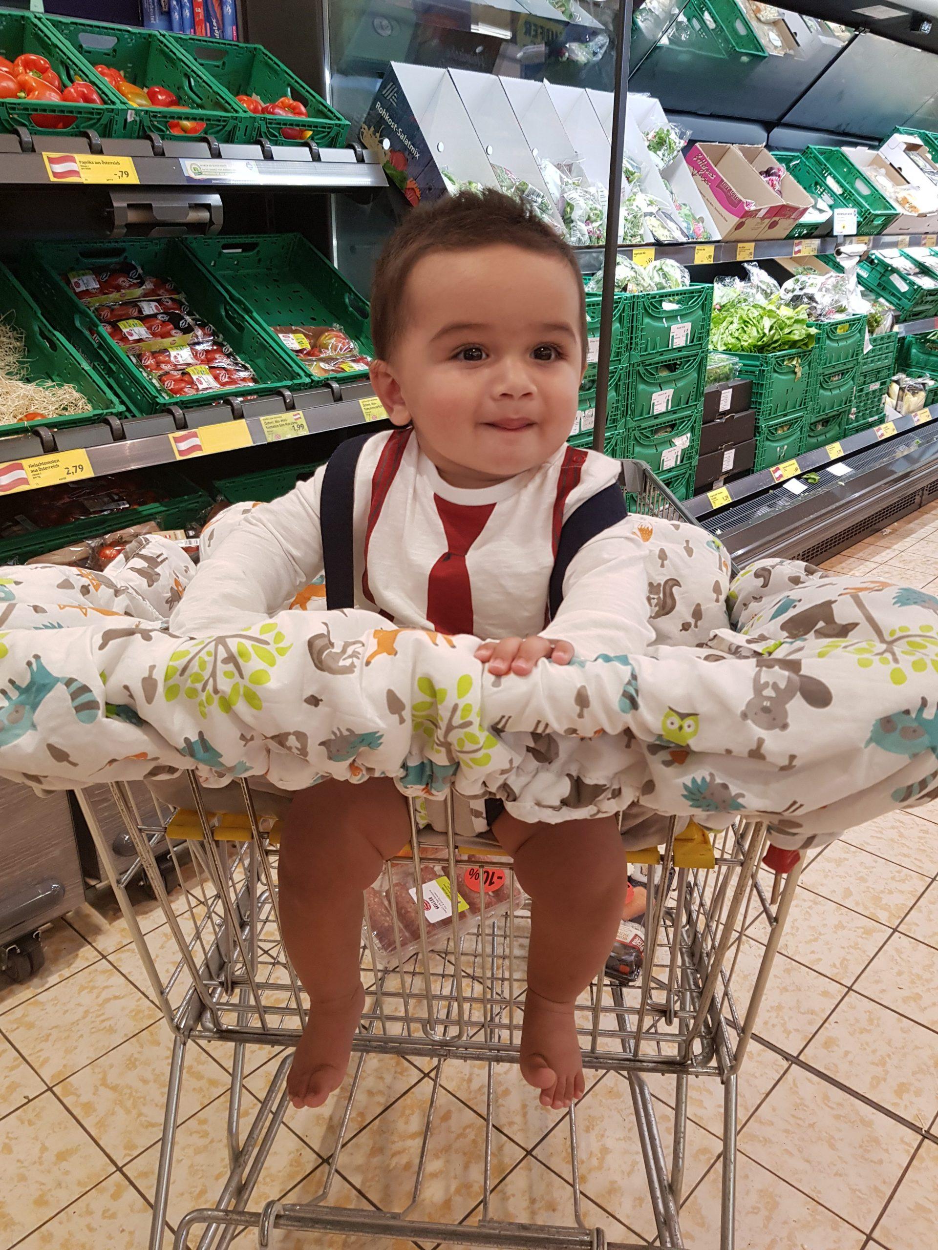baby in supermarket in vienna