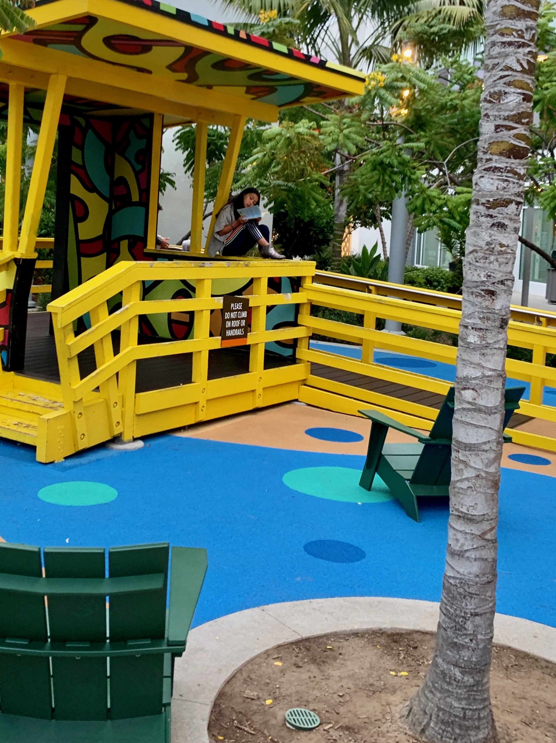 A family-friendly play area in Manhattan Beach
