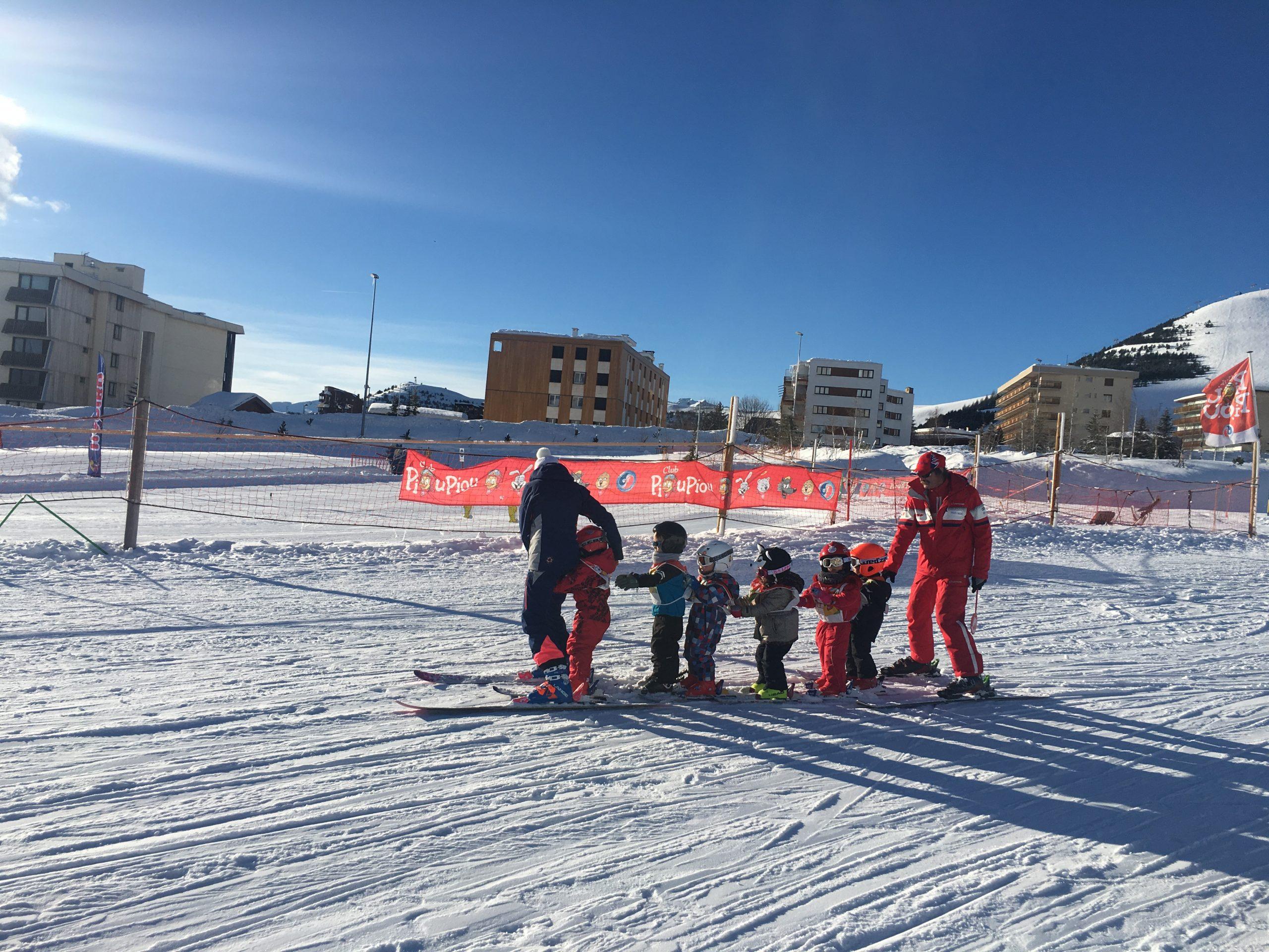 toddler ski class alpe d'huez