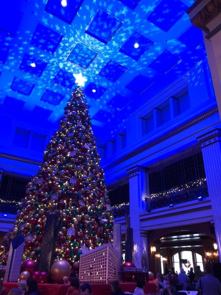 Walnut Room in Chicago Christmas tree
