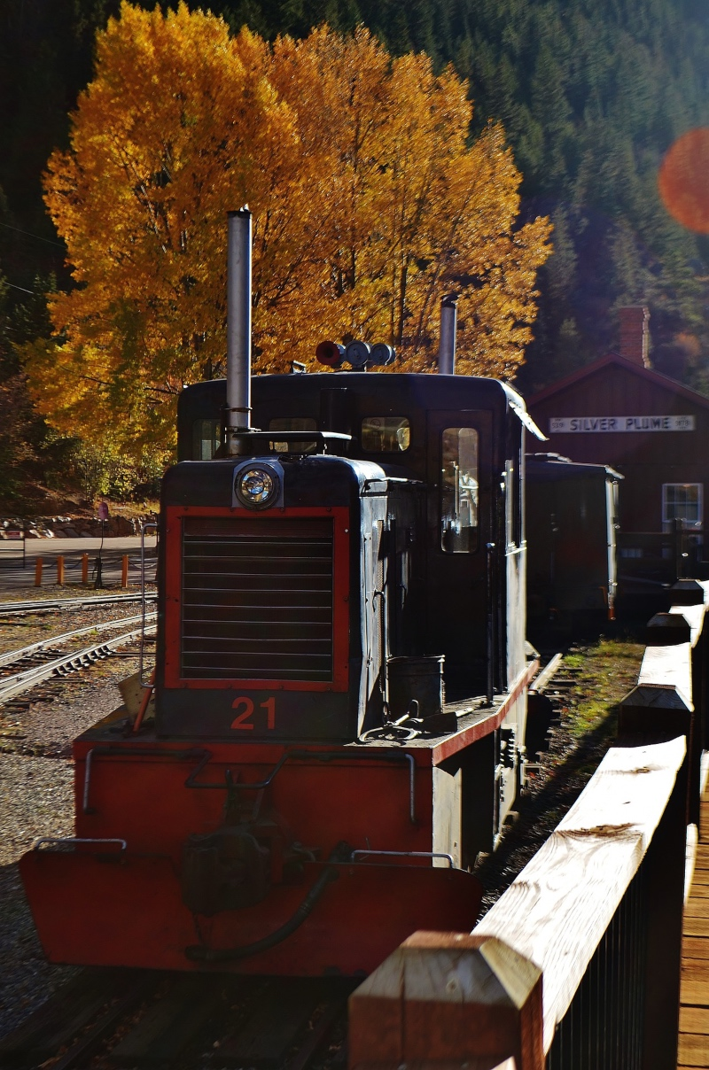 A great fall foliage train ride in Colorado is the Georgetown Loop