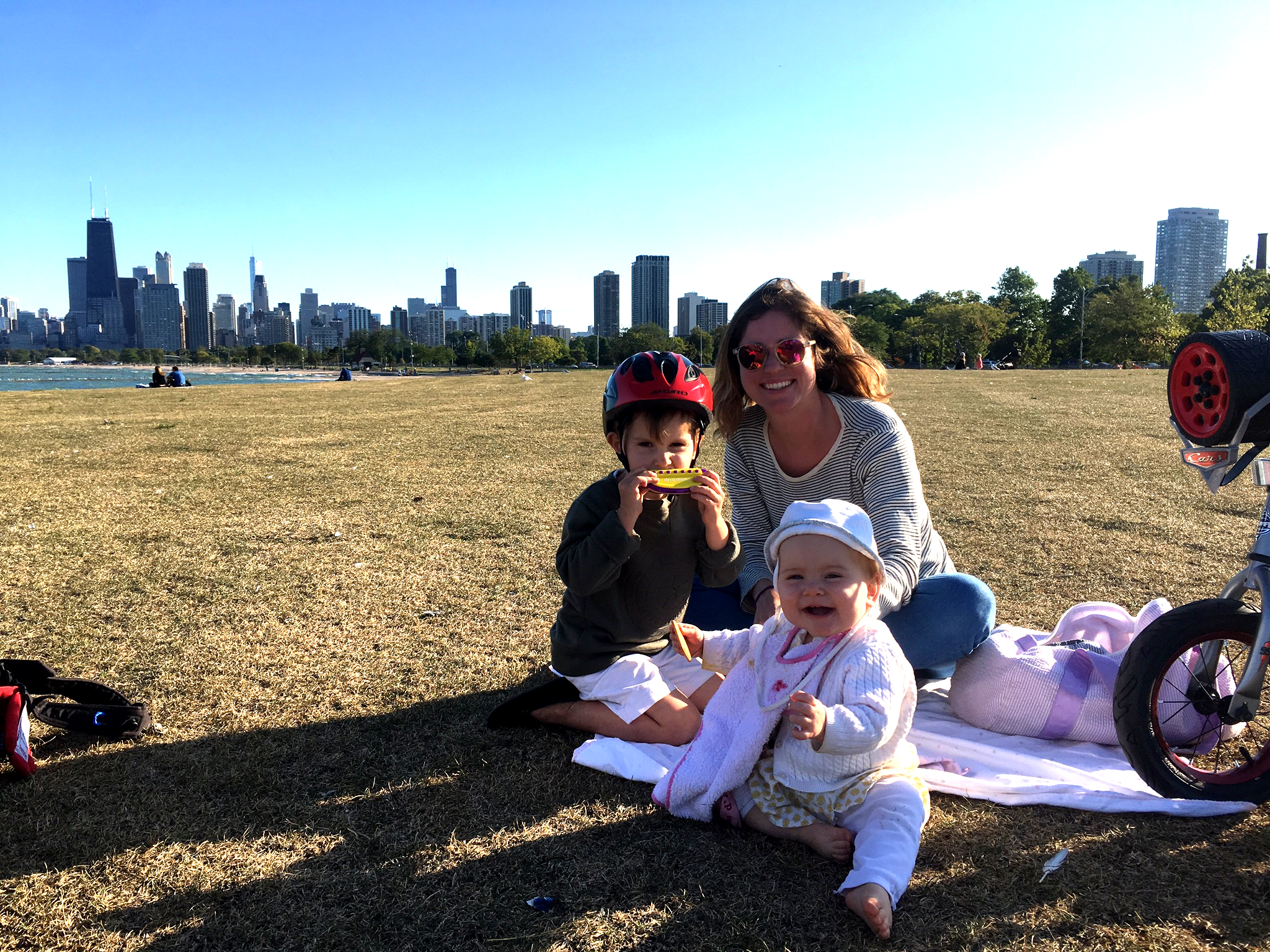 View of Chicago skyline with kids