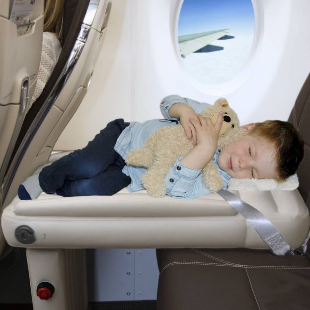 Flyaway Kids Bed - Bébé Voyage Holiday Gift Guide for 2020!