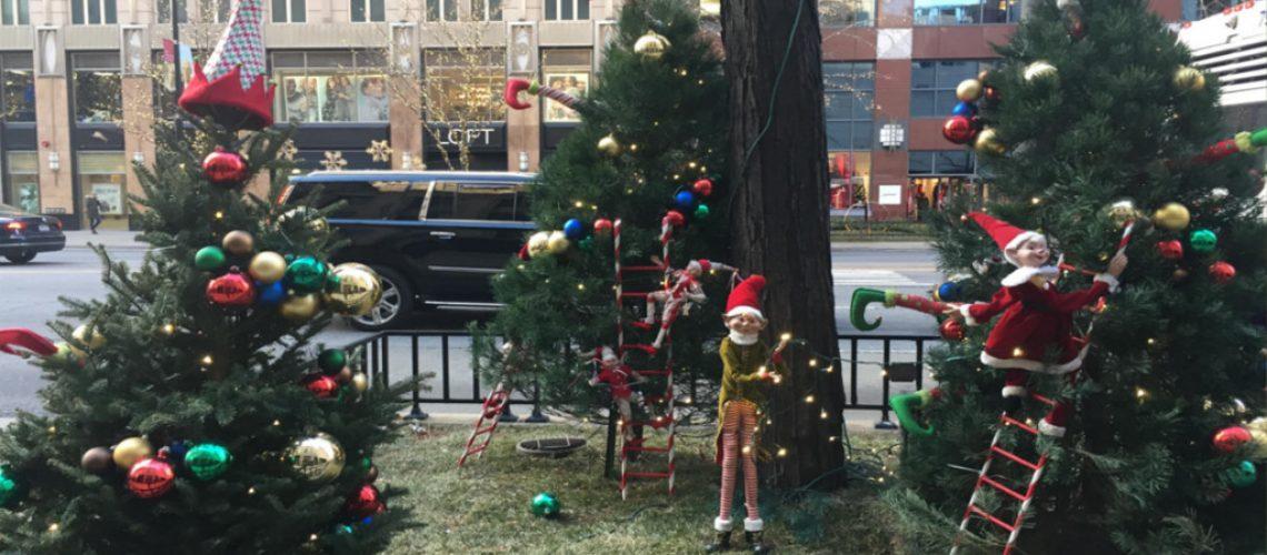 christmas decorations on michigan avenue chicago