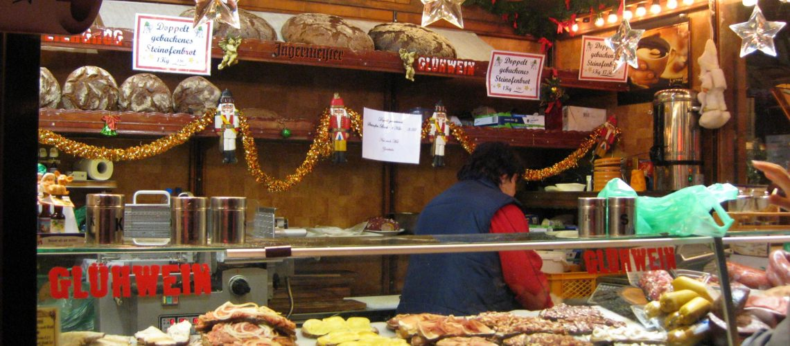 the-christmas-market-in-berlin-food-stand